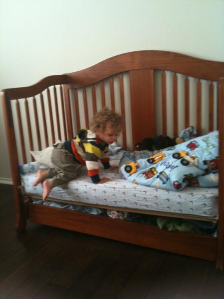 lucas crib