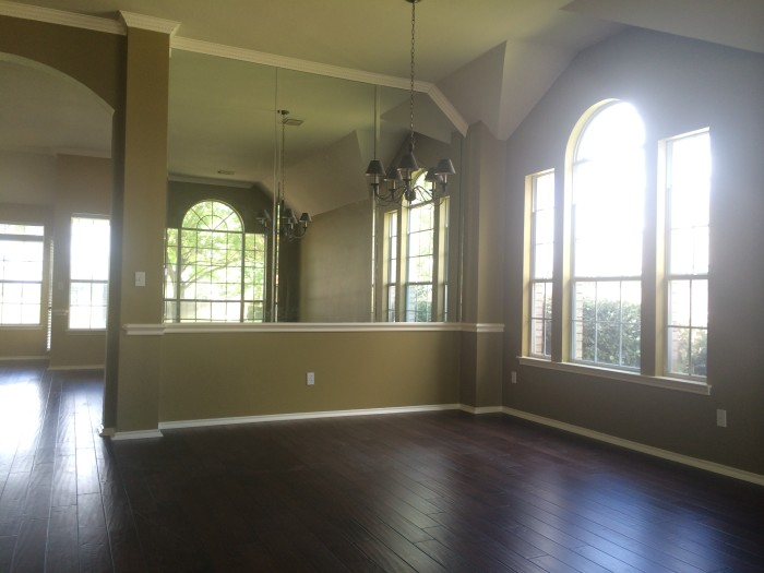 Old House: Living Spaces, bedrooms and bathrooms